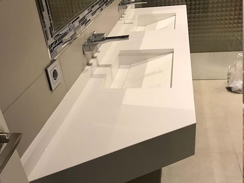 Precios y presupuestos de encimeras de cocinas compac for Encimeras de bano para lavabo